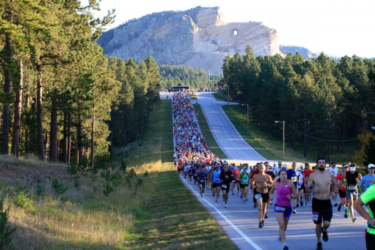 Run Crazy Horse Packet Pick Up and Expo